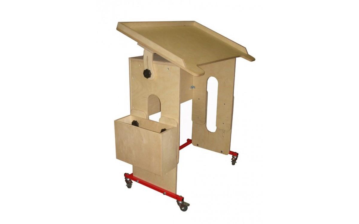 Стол-парта из натурального дерева, предназначенная для занятий с детьми с ограниченными возможностям